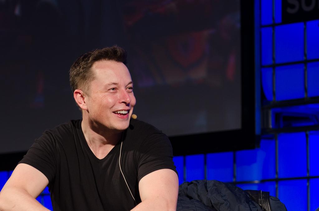 Auf dem Bild ist Elon Musk