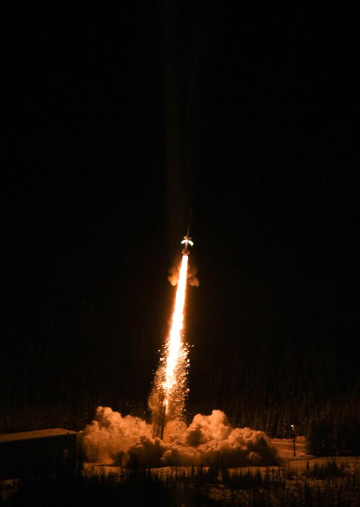 Auf dem Bild ist eine startende Rakete zu sehen