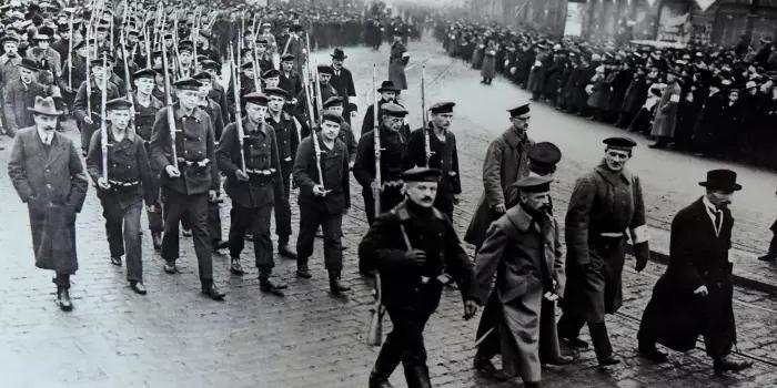 Trauer.Berlin-1918.jpg