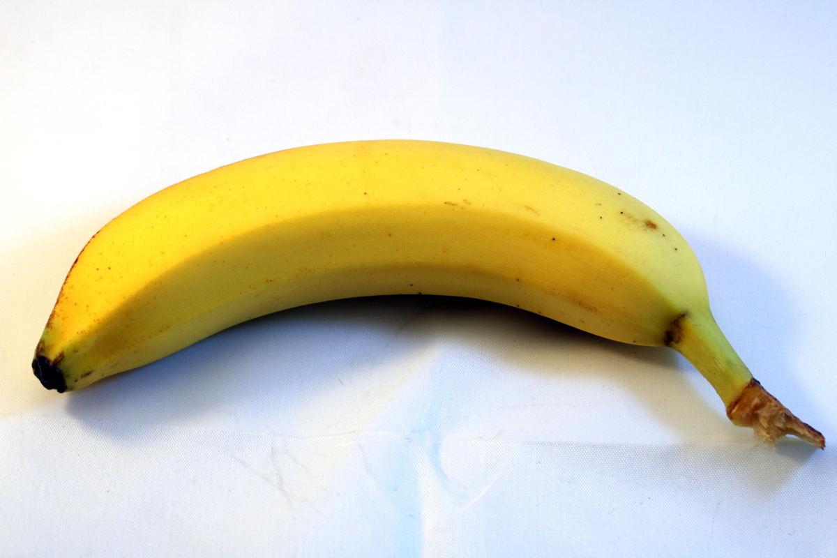 Auf dem Bild ist eine Banane