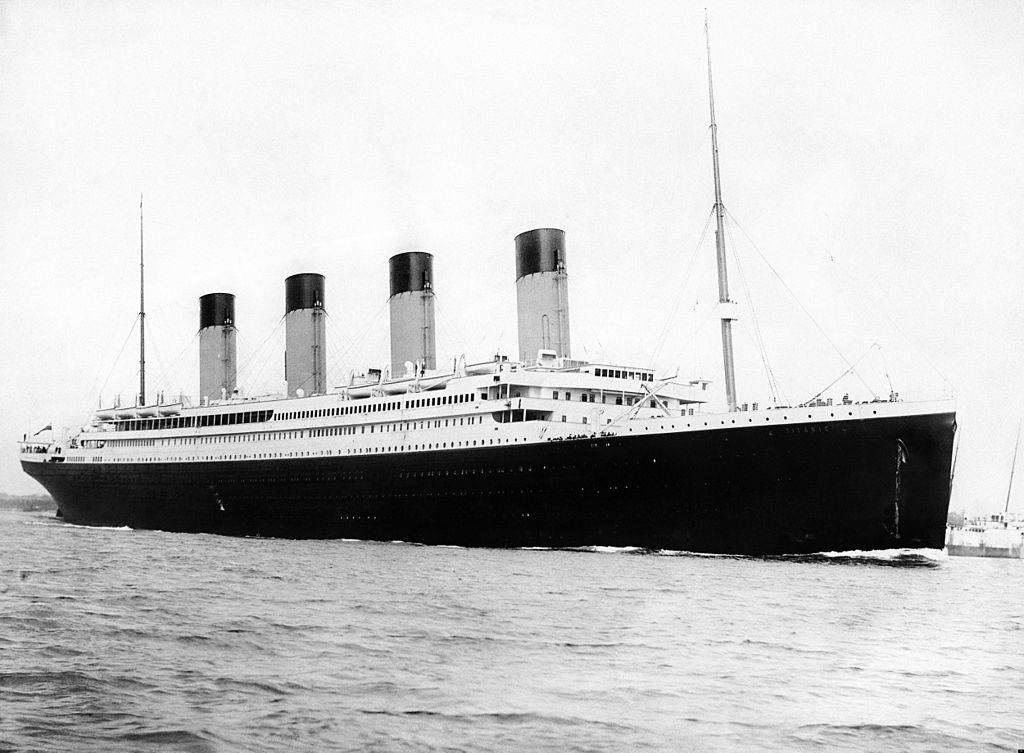 Auf dem Bild ist die Titanic am 10. April 1912 zu sehen
