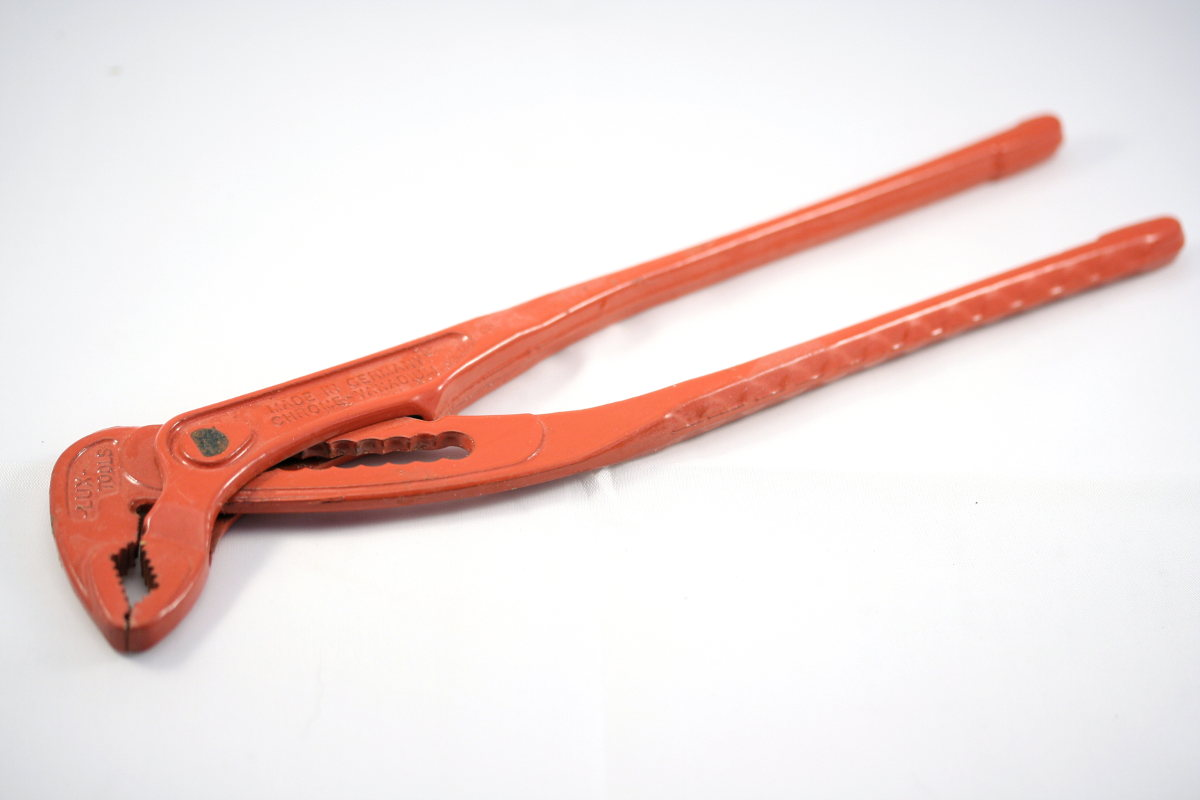 Plumber wrench.JPG