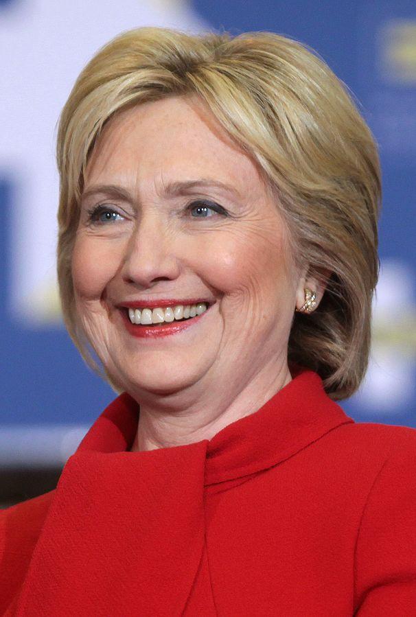 En la foto es Hillary Clinton