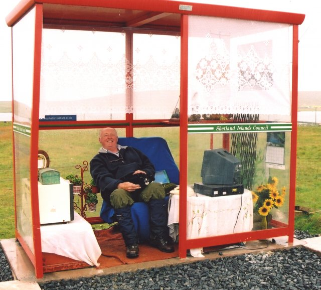 Unst-Bus Shelter.jpg